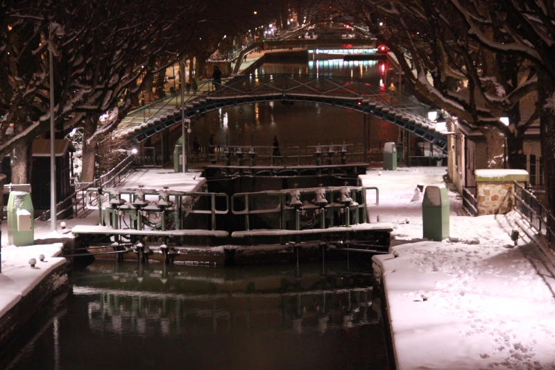 The canal at night